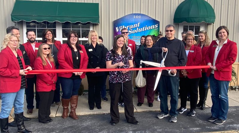 Image of Ribbon cutting at Vibrant Solutions